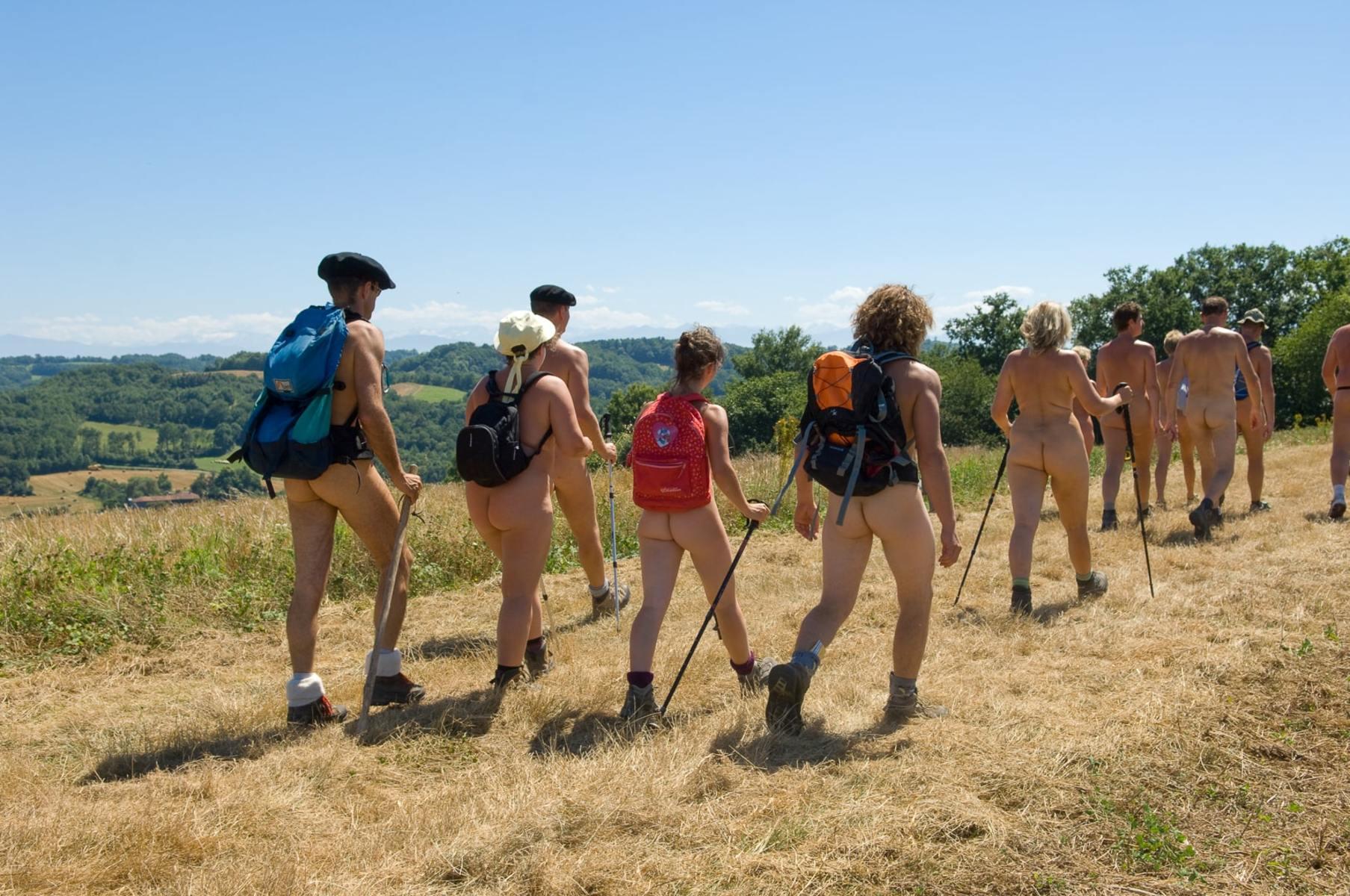 Randonnée nue : profiter de la nature de la manière la plus naturelle