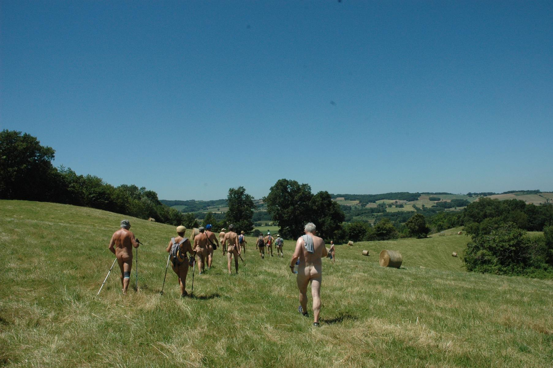 Naked Hiking: Enjoying nature in your most natural way