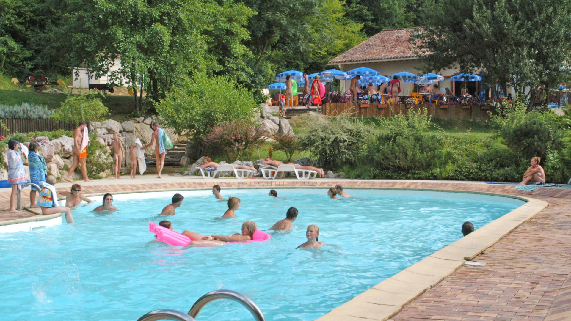 piscine naturiste