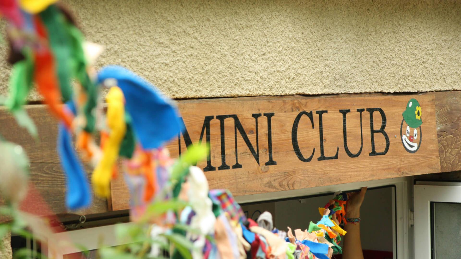miniclub voor naturistencamping