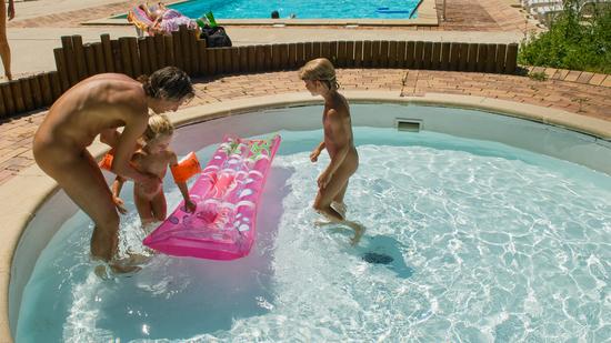 piscine camping naturiste